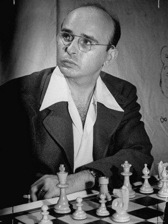 Samuel Reshevski smoking